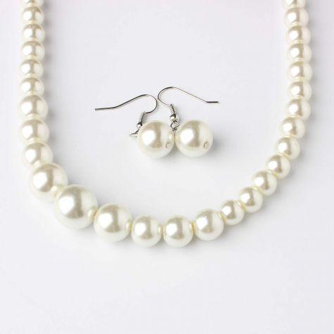 Collana e orecchini di perla
