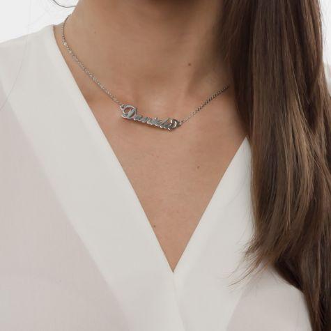 Collana con nome Daniela con catenina sottile a ovali regolabile