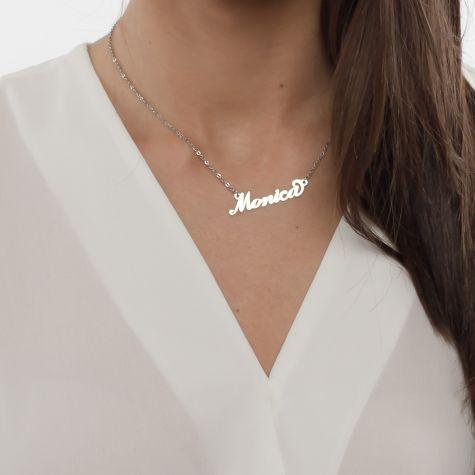 Collana con nome Monica con catenina sottile a ovali regolabile