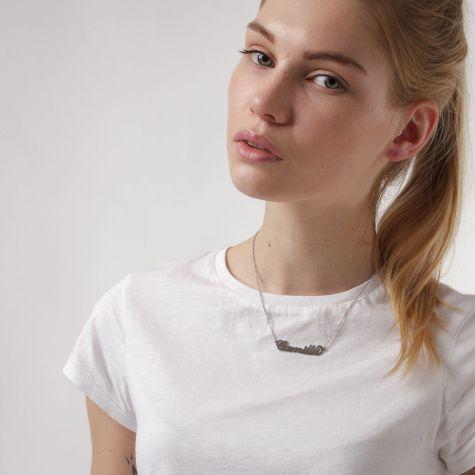 Collana con nome Camilla con catenina sottile a ovali regolabile