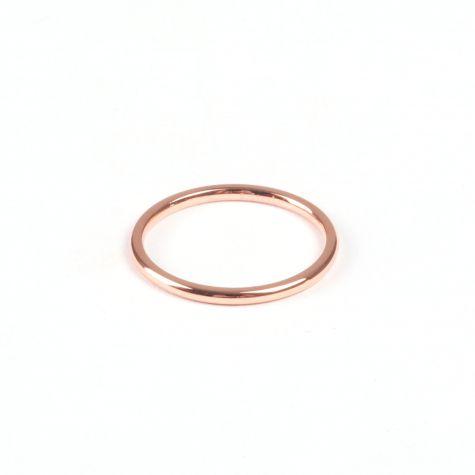 Anello fedina in acciaio color oro rosato