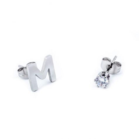 Orecchini con iniziale M e punto luce zircon in acciaio