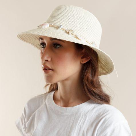 Cappello avorio con conchiglie