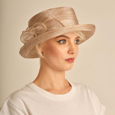 Cappello da cerimonia con fiocco color beige