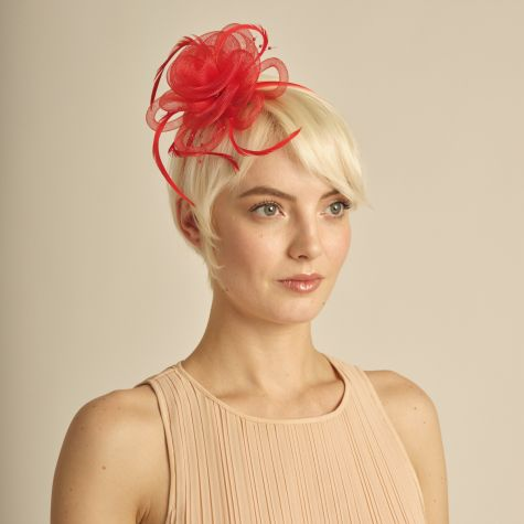 Fascinator color rosso