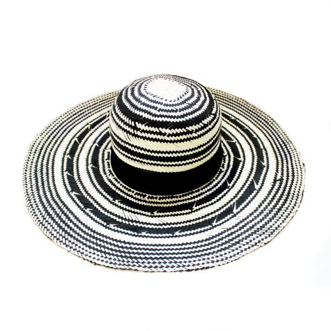 Cappello pamela in carta con rigoni avorio e neri