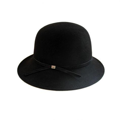 Cappello con nastro scamosciato nero