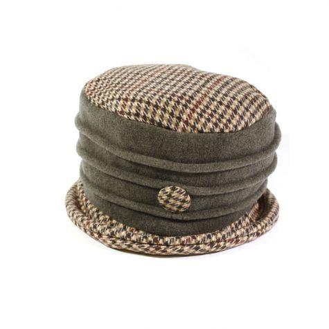 Cappello cloche in lana cotta con bottone laterale