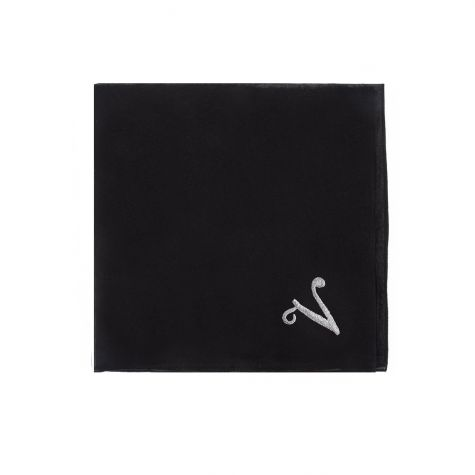 Foulard nero con iniziale V