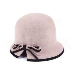 Cappello cloche in lana con fiocco